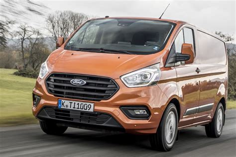^ available at participating ford dealers on 2019.75my transit onwards and 2019.75my transit custom onwards vehicles first purchased by a private or blue fleet customer or as a dealer. New Ford Transit Custom for 2018 - info and pictures of ...