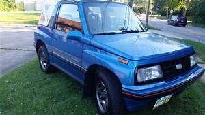 1990 Geo Tracker Lsi  4 Wheel Drive  5 Speed  Convertible