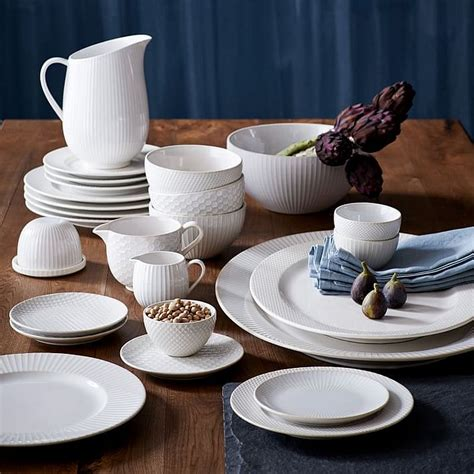 hottest finds  setting  perfect thanksgiving table