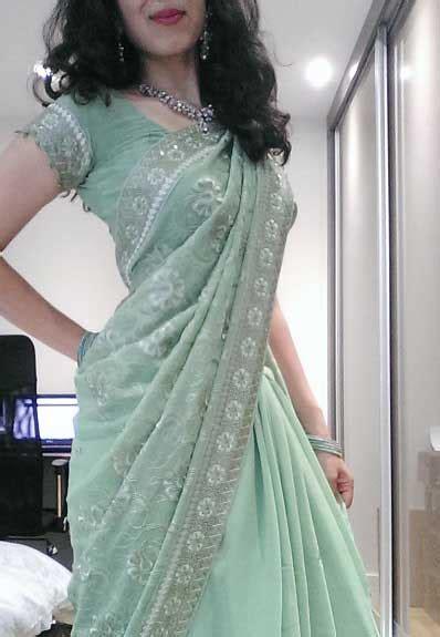 bangladeshi housewife changing saree blouse bra xxx photos