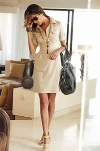 Tenue pour le travail robe chemisier a boutons beige a for Robe chemisier chic