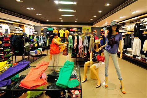 home interior stores retailers deferring india plans due to high realty cost