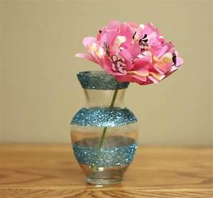 Dollar Decor: Girly Glitter Vases