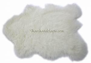Tapis enfant laine imitation peau de mouton beau tapis for Tapis imitation peau