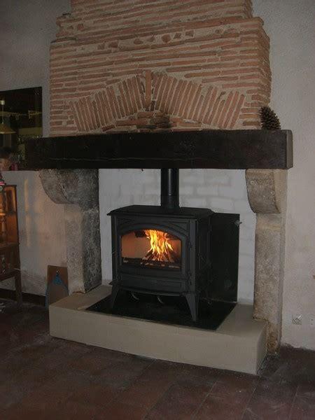 renover sa cuisine en bois cheminées rénovation aquitaine le poele à bois
