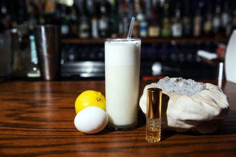 ramos gin fizz  classic  orleans   baton rouge