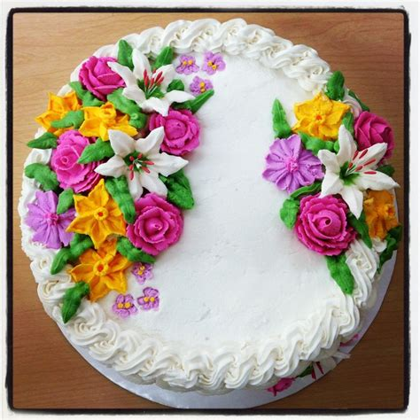 cakes decorated with flowers buttercream basket weave cake with royal icing flowers