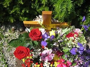 Blumen Im Sommer : daniel 39 s grab im sommer mit blumen ~ Whattoseeinmadrid.com Haus und Dekorationen