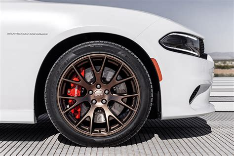 preview  dodge charger srt hellcat winding road
