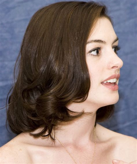 Anne Hathaway Medium Straight Formal Bob Hairstyle