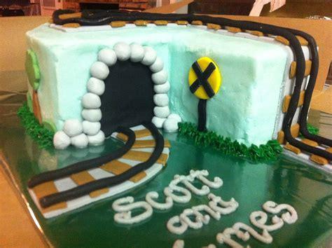 cakes  mindy train cake