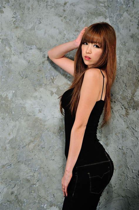 Xxx Nude Girls Lee Eun Hye In Black