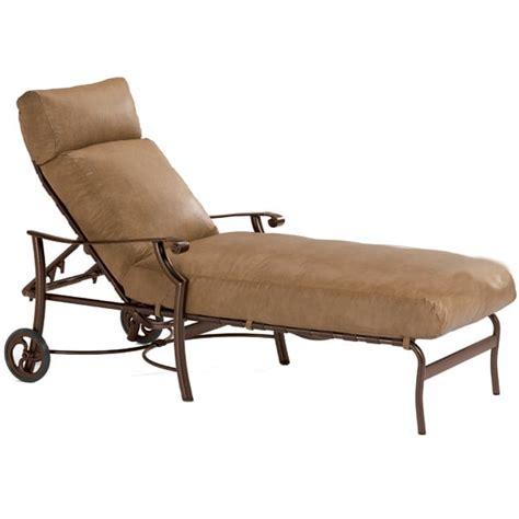 montreux cushion chaise lounge