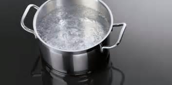 cuisiner avec l induction table de cuisson à induction aeg aeg