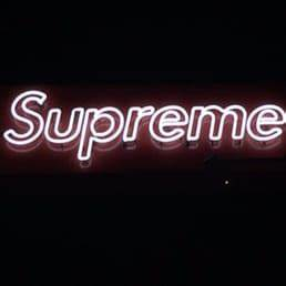 Supreme 84 foto s & 222 reviews Skate winkels 439 N