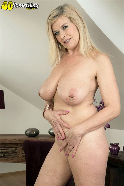 Blonde Mature Mom Marina Rene Undressing To Flaunt Pierced