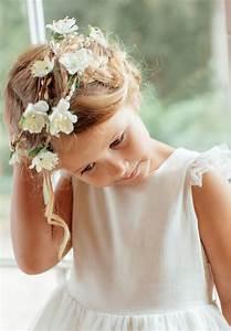 Couronne De Fleurs Mariage Petite Fille : couronne de fleurs pour cheveux de petite fille et b b cette magnifique couronne de fleurs ~ Dallasstarsshop.com Idées de Décoration