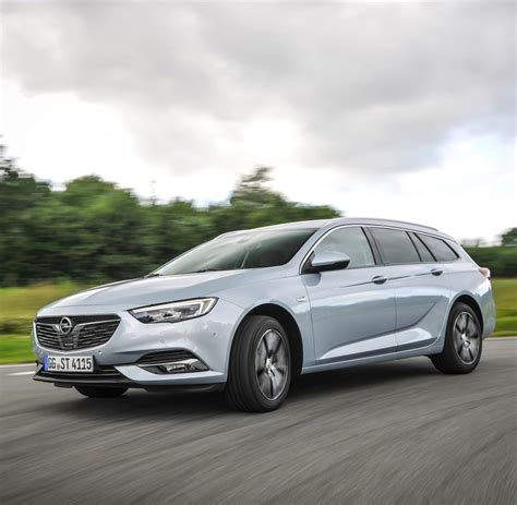 Opel Insignia Sports Tourer by Opel Insignia A Sports Tourer Moto