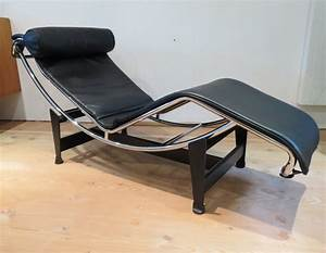 Cassina Charlotte Perriand : lc4 lounge chair by le corbusier charlotte perriand for cassina 1990s 63206 ~ Frokenaadalensverden.com Haus und Dekorationen
