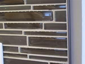 Tiling kitchen backsplash corners