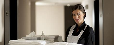 femme du chambre chambres et suites du najeti hôtel de valescure hôtel