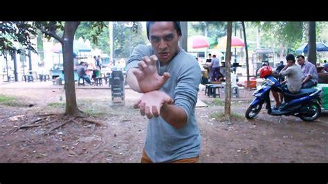 garmin gara gara minuman indonesia short action