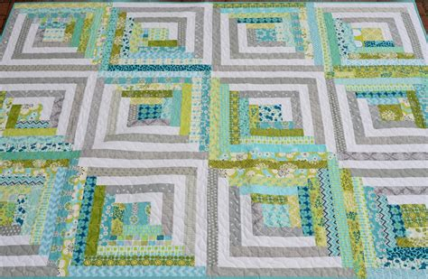 modern log cabin quilt hyacinth quilt designs my modern log cabin quilt