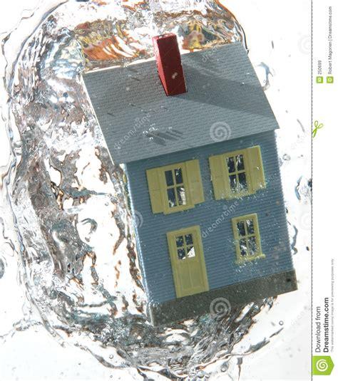huis onder water huis onder water 3 stock afbeelding afbeelding bestaande