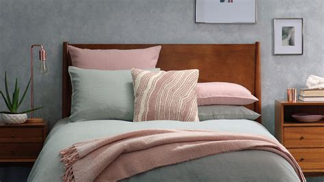 Ways To Your In Bed by 5 Simple Ways To Style Your Bed Front