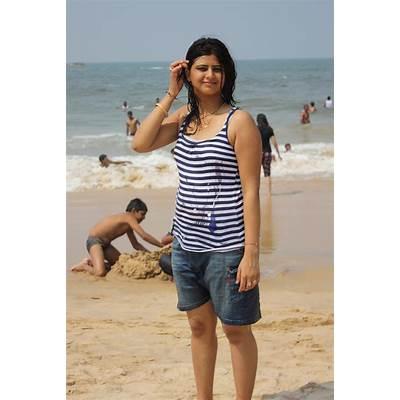 Pin Goa-beach-girls on Pinterest