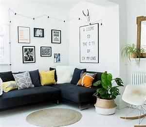 deco salon avec canape noir elegant salon avec canape With tapis jaune avec canapé du salon