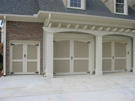 27 Best Modern Garage Doors Ideas And Designs For Your Steel Blue Spray Paint Painting Motorcycle Nontoxic Why Does My Crackle Mobile Car On Concrete Custom Mixed Doors