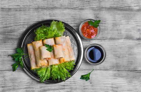 อาหารว่างที่ขึ้นชื่อในประเทศไทย ก็คงหนีไม่พ้นปอเปี๊ยะผัก ...
