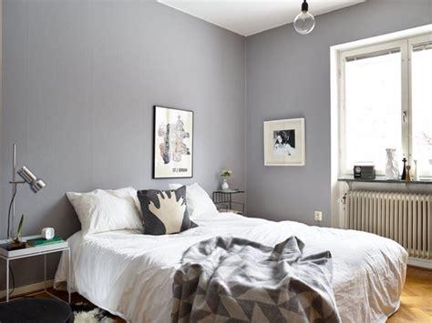 chambre couleur taupe et gris la chambre grise 40 idées pour la déco archzine fr