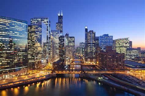 downtown chicago employment hits  record high greg hinz