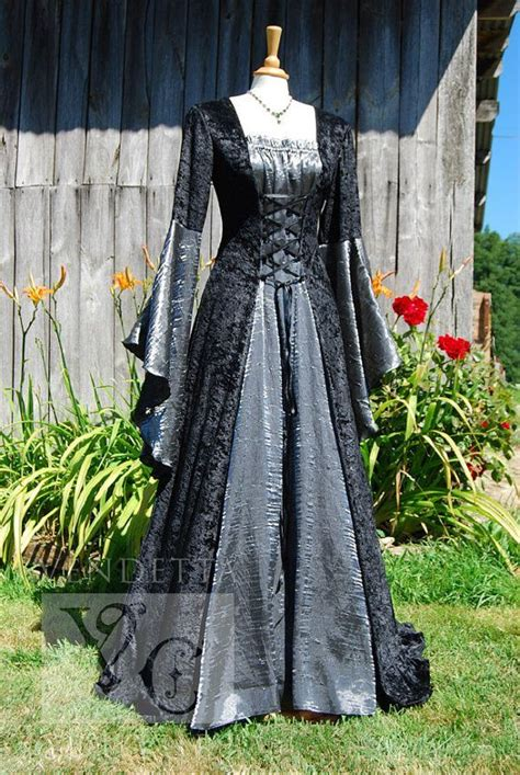 hexe kostüm dress wedding gown handfasting available in sizes s to custom made for you gott
