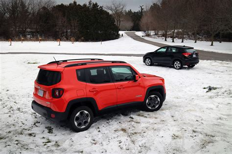 jeep honda comparison review 2016 honda hr v vs 2015 jeep renegade