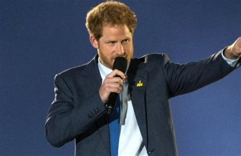 Prince Harry's Beard Causes Military Controversy ...