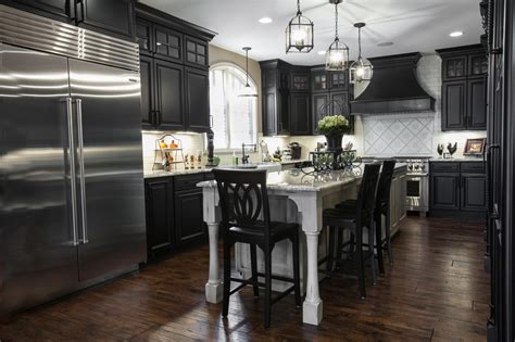 Beautiful Black & White Kitchen  Designer Q&a Callier