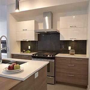 Cuisine style contemporain avec tiroirs de melamine et for Idee deco cuisine avec fabricant de cuisine