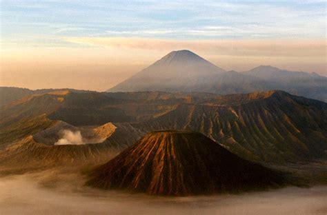indonesia  kembangkan pariwisata alam sebagai objek