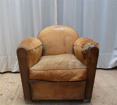 rénover un canapé en cuir craquelé table rabattable cuisine restauration fauteuil cuir