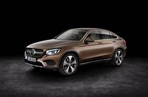 Mercedes Benz Glc Versions : 2017 mercedes benz glc coupe is out for bmw x4 blood in new york autoevolution ~ Maxctalentgroup.com Avis de Voitures