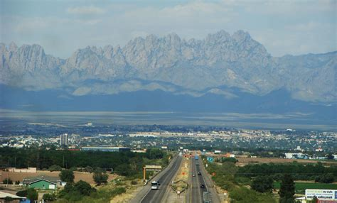 File:Las Cruces and the Organ Mountains.jpg - Wikimedia ...