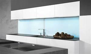 Küche Fliesenspiegel Plexiglas : k chenr ckwand mit led gestalten tipps infos hier ~ Markanthonyermac.com Haus und Dekorationen