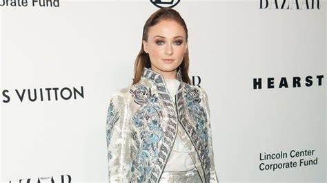 Sophie Turner defends Taylor Swift's 'Time' cover and is ...