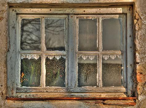 Herbst Deko Altes Fenster by Alte Fenster Altes Fenster Fenster Alte Fenster