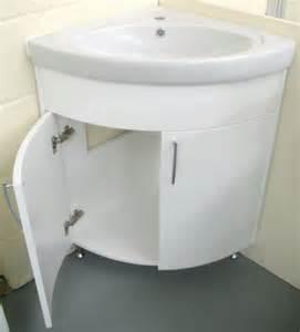 kleines zimmer braun eckwaschbecken mit unterschrank fürs badezimmer