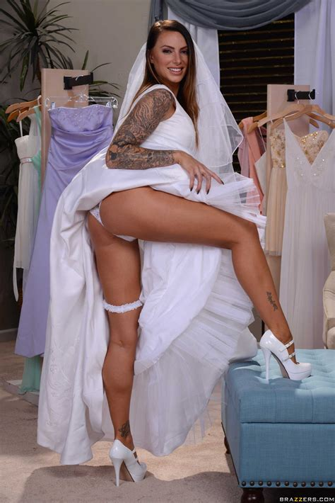 Smoking Hot Bride Needs A Good Fuck Photos Juelz Ventura