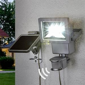 Lampe D Extérieur : lampe solaire de jardin tous les fournisseurs de lampe solaire de jardin sont sur ~ Teatrodelosmanantiales.com Idées de Décoration